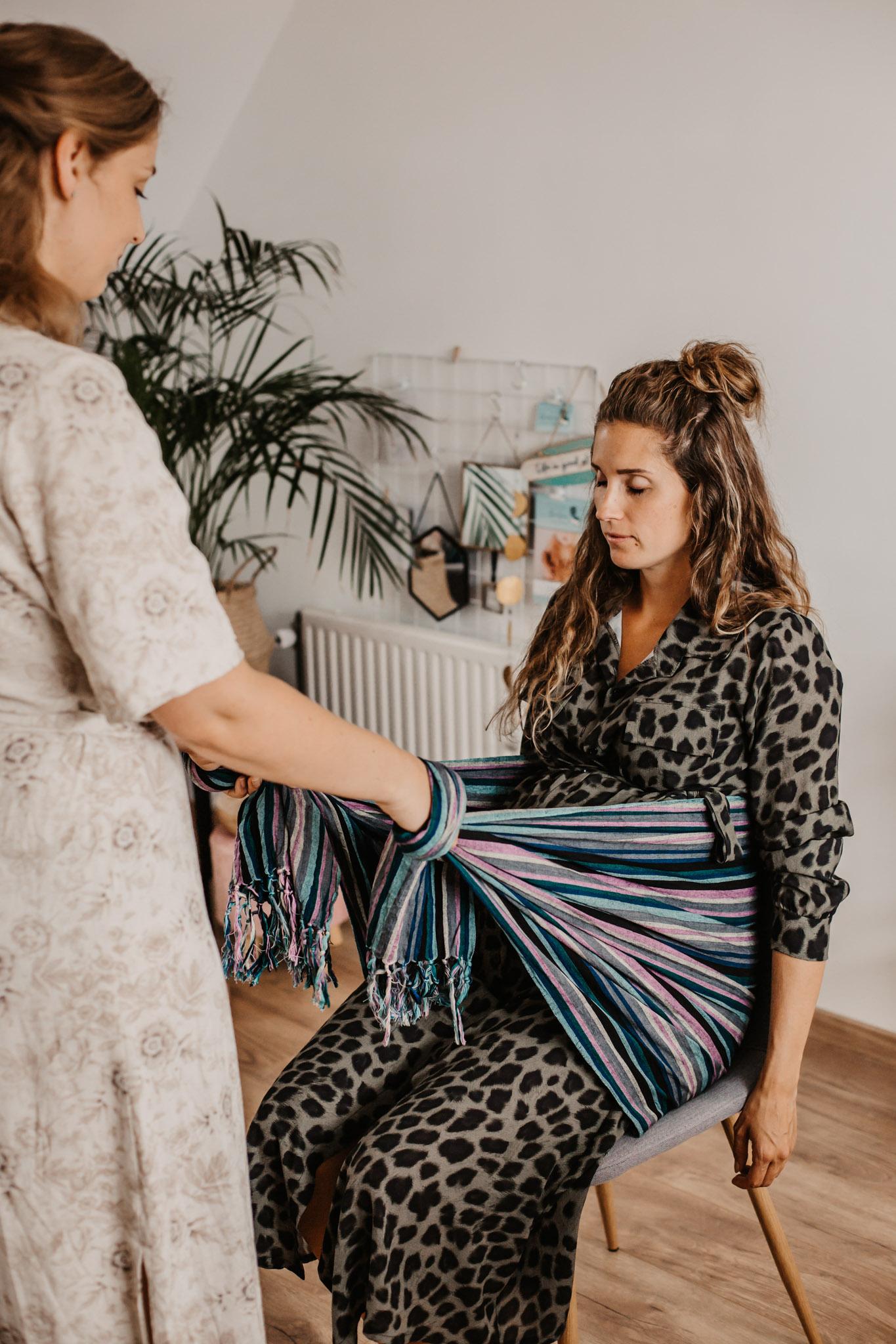 Nicolien-Lettinga-Rebozo-massage-vrouwen