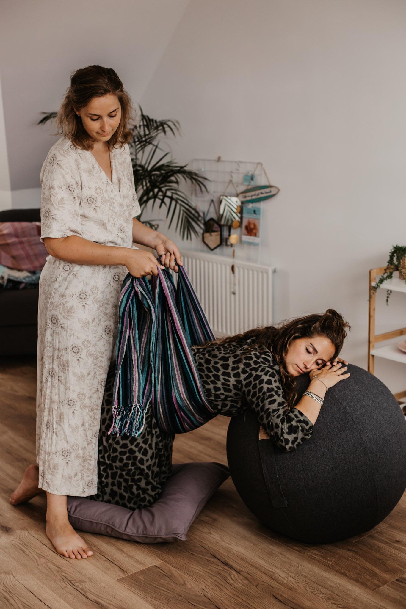 Nicolien-Lettinga-Rebozo-massage-zwangerschap